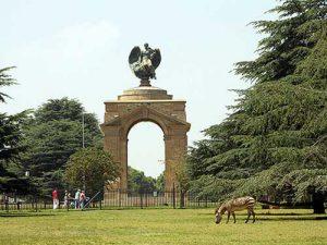 War-Memorial,-Johannesburg-Zoo-_-flowcomm-_-Flickr