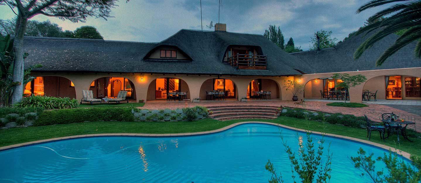wide-angle-shot-of-tladi-lodge-hotel-in-sandton